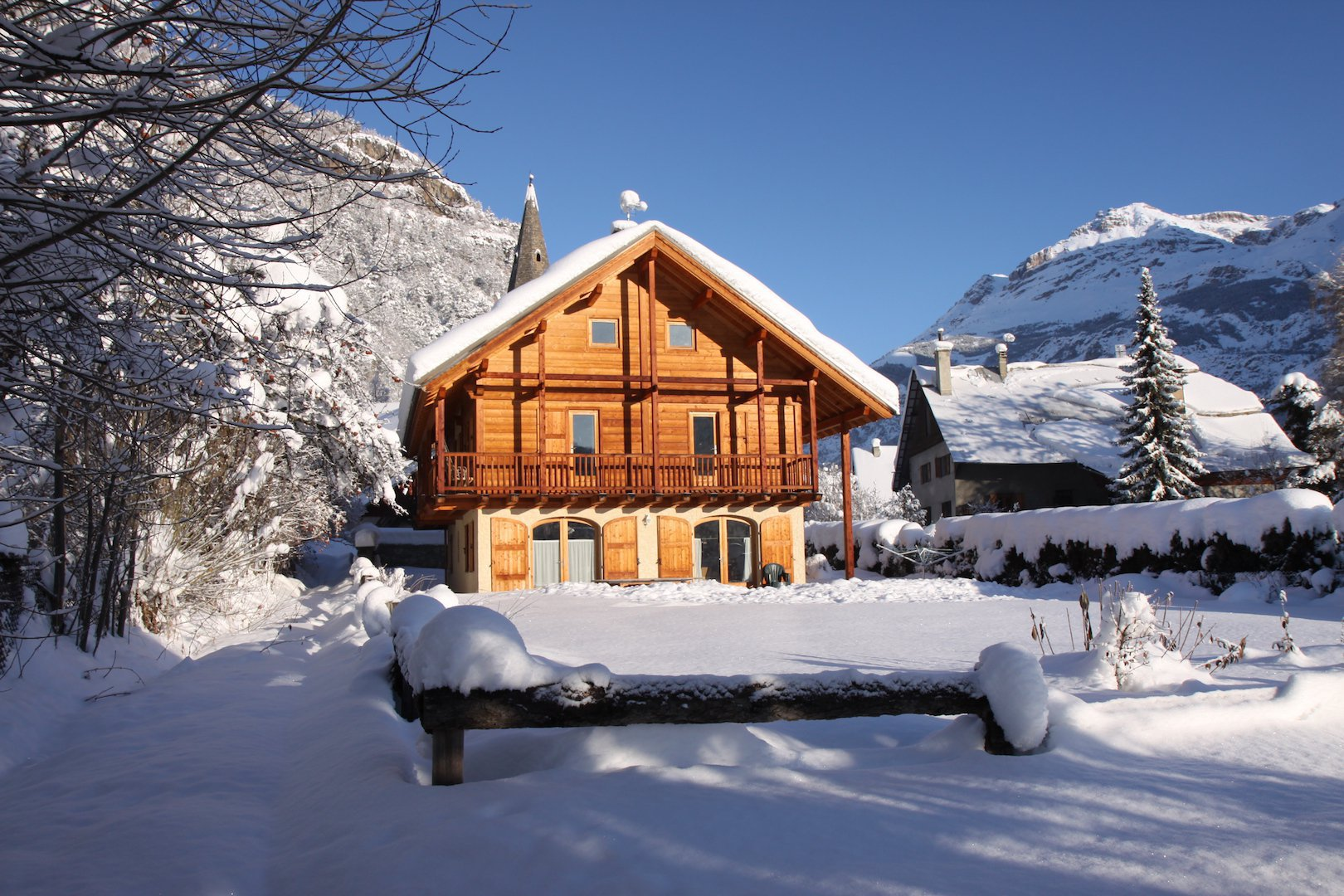 chalet chabrand in the winter sun