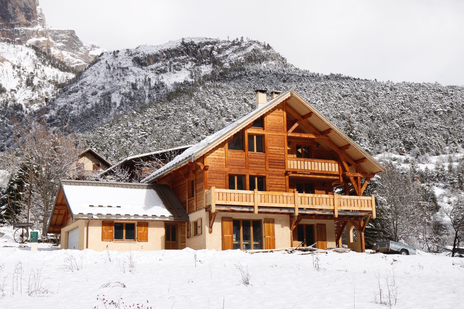 Chalet Sequoia in Grand Parcher, Vallouise sleeps up to 12